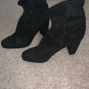 Black suede heel boots 10